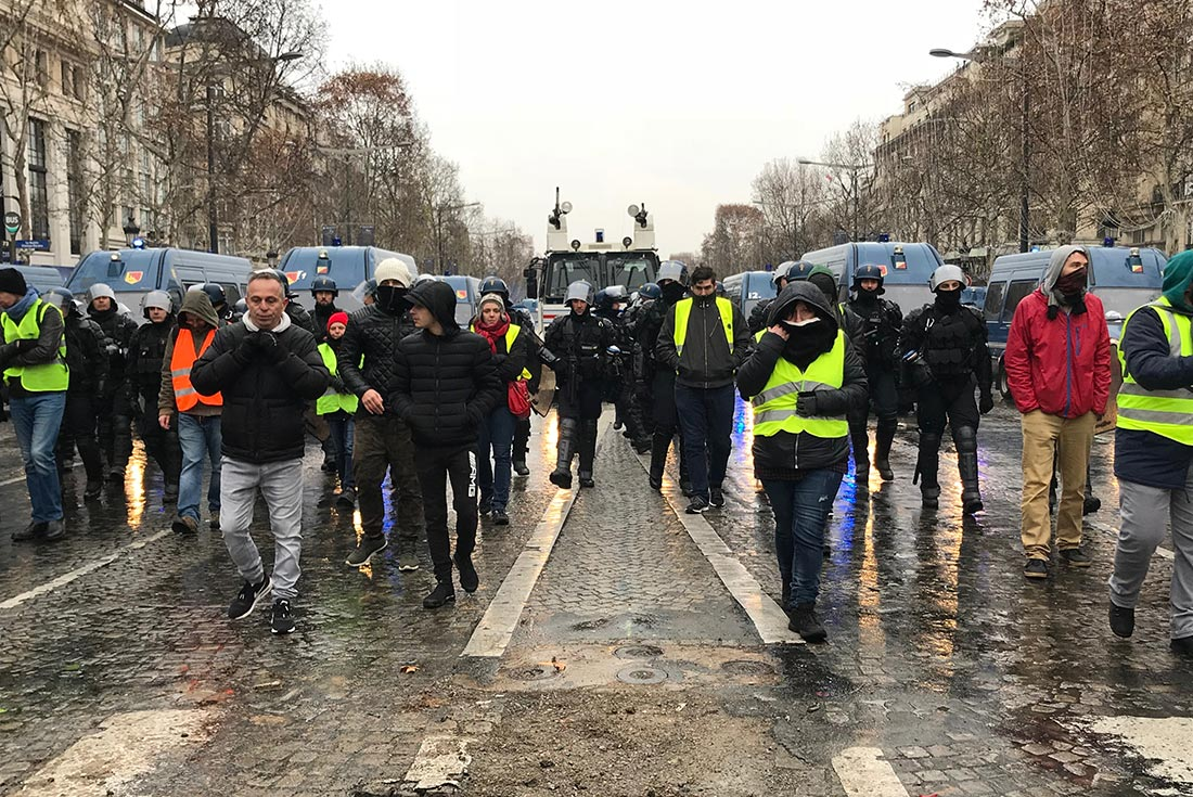 Des Gilets jaunes dans Paris